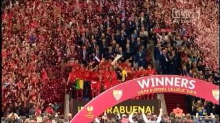 Finał Ligi Europy – pokaz konfetti
